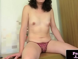 Amateur tranny spreading will not hear of ass