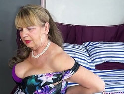 OmaGeiL Busty Mature Lady Solo Exaggeration