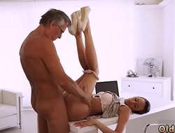 Daddy gym swallowed so deep, so she almost can'_t breathe, but she