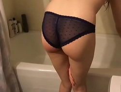 pussy worship pissing and a bath with lil kittytheory