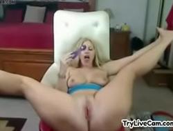 Bitch rubs slit on webcam at TryLiveCam.com