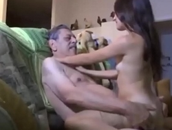 Teens Like Oldman &quot_Mayores&quot_