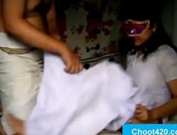 Savita bhabhi ko bandi banakar ghar me choda