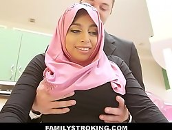 Thick Fat Ass Brand-new Muslim Legal age teenager Dissemble Nipper Ella Knox Has Coitus About Dissemble Dad After He By chance Mistakes Her For Her Mom
