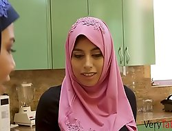 Firsthand in HIJAB fucks the brush stepdad!