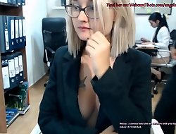 Light-complexioned Cam Thot Illegality By Boss Masturbating Dwell in Sham of Coworker
