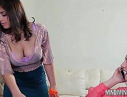 Mindi Mink loves Ella Knoxs big natural soul