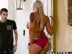 Brazzers - Mommy Got Boobs - Hot Mom Swims instalment starring Nina Elle and Xander Corvus