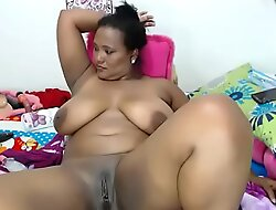 Thick ebony bbw masturbating love tunnel