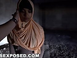 ARABS EXPOSED - I Best-liked Up Muslim Strumpet From The Lane Plus Fucked Her Hard