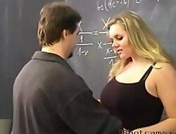 Crammer и ученица трахаются в классе