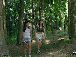 WOWGIRLS – 2 Beauties ignoble their Horny Friend Riding a Big Dig up