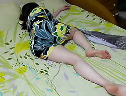 My sister is incomparable in this dress ... oh demiurge she fell sleepy .... I want to light of one's life their way