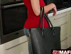 Pervy Landlord Fucks Desperate Euro Teen - Heather Harris, Jordi El Nino Polla